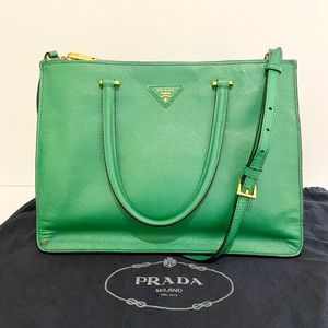 Prada Saffiano Cuir Large Double Zip Tote in Verte